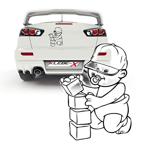 Preisvergleich Produktbild Baby mit Bausteinen Aufkleber für das Auto Scheibensticker Junge mit Basecap | P010