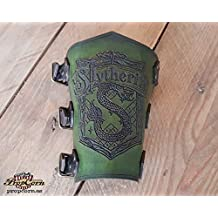 Brazal de Slytherin, universo Harry Potter. Ideal para fans del Quidditch, realizado en