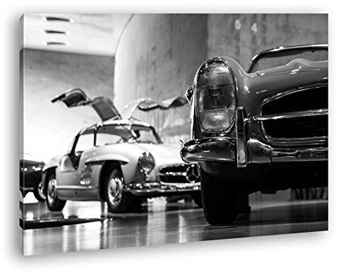 deyoli Oldtimer Ausstellung Format: 80x60 Effekt: Schwarz/Weiß als Leinwand, Motiv fertig gerahmt auf Echtholzrahmen, Hochwertiger Digitaldruck mit Rahmen, Kein Poster oder Plakat
