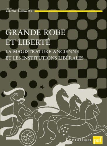 Grande robe et liberté par Elina Lemaire