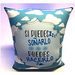 Almohadas con mensajes cortos y que son ideales para regalos originales.