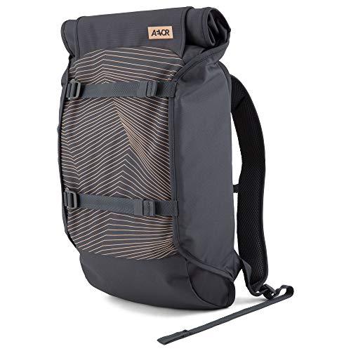 AEVOR Trip Pack - Alltags Rucksack, erweiterbar 26 bis 33 Liter, ergonomisch, wasserabweisend, Fineline Apricot