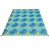 SONGMICS Stranddecke Kleine Picknickdecke wasserabweisend schnell trocknend dünne Campingdecke mit schönem Muster Taschendecke für Reise leichte Decke mit Bodennägel, Karabinerhaken GCM90UY