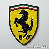 Ferrari Gelb & Schwarz Badge bestickt Patch Aufnäher oder Bügelbild 4cm x 5,5cm