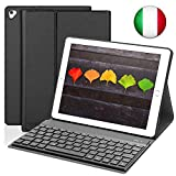SENGBIRCH Tastiera per iPad 2018(6th Gen)/iPad 2017 (5th Gen), Custodia con Tastiera Bluetooth Italiana per iPad PRO 9.7/iPad Air 2/iPad Air,Sonno Automatico con Funzione Stand-Nero