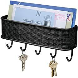 mDesign portachiavi da parete con cestello portaoggetti – ideale portachiavi con vano portalettere e porta cellulare – con 5 ganci – colore nero opaco