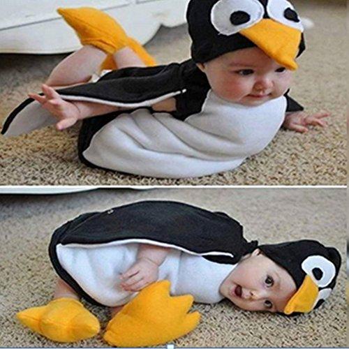 Baby/Kleinkind mit niedlichem Pinguin-Anzug, Strampelanzug und ()