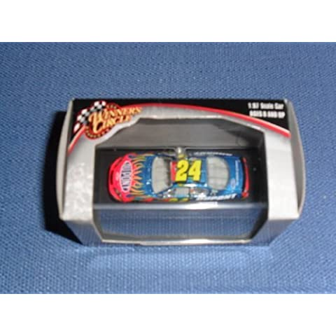 2006 NASCAR Winner's Circle . . . Jeff Gordon #24 Dupont Chevy Monte Carlo 1/87 Diecast . . . Includes Plastic Display Case by Winner's Circle
