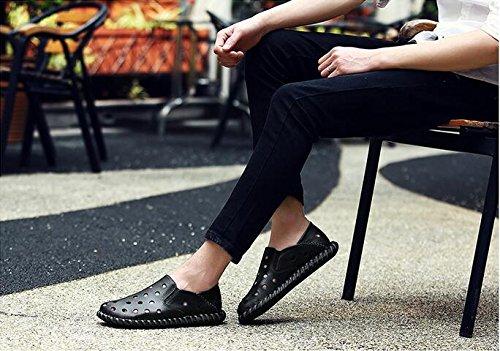 Sandali di cuoio degli uomini con i fori pattini di acqua fatti a mano durevole ma molle modo e comodo Black