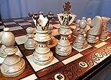 Figures d'echecs en bois, minutieusement travaillées avec des bases de feutre Hauteur du Roi : 110 mm Ampleur: 52 x 52 x 3cm fait main de haute qualité