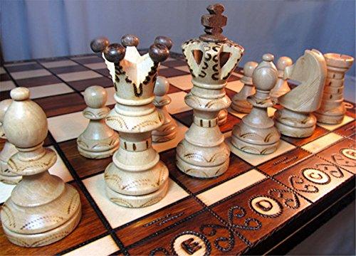 Chessebook Schachspiel aus Holz 52 x 52 cm