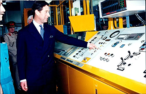 vintage-photo-of-prince-charles-visits-the-company-baker-perkins