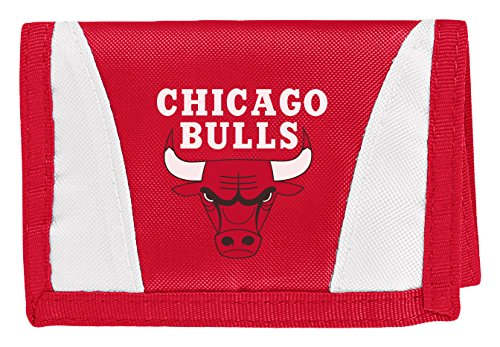 THE NORTHWEST COMPANY Officially Licensed NBA Chicago Bulls Chamber Wallet