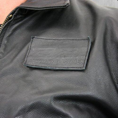 Alpha Industries Lederjacke CWU Leather black – schmal und kurz geschnitten - 4