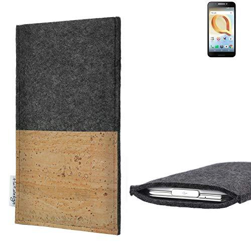 flat.design Handytasche Evora mit Korkfach für Alcatel A30 Plus - Schutz Case Etui Filz Made in Germany in hellgrau mit Korkstoff - passgenaue Handy Hülle für Alcatel A30 Plus