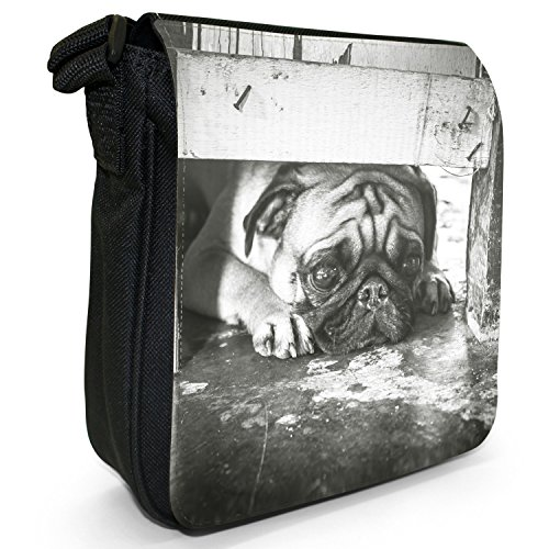 Carlino Pugs Love Little Cani Piccola Borsa a tracolla tela nera, misura piccola Pug Looking Under Gate