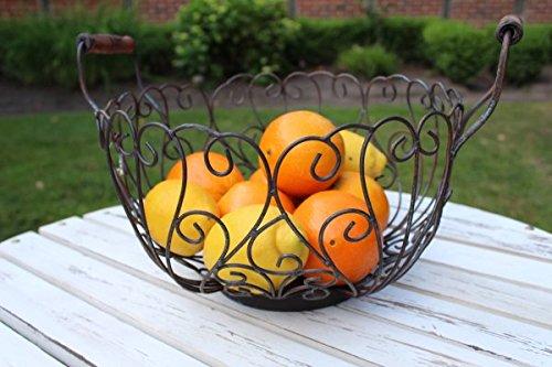 Manufaktur Lichtbogen Großer Obstkorb aus Metall mit Holzgriffen
