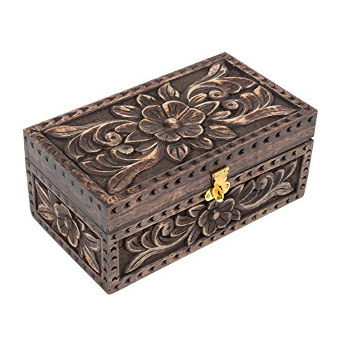 nuovo-anno-i-regali-bigiotteria-in-legno-scatola-di-immagazzinaggio-organizzatore-con-la-mano-cut-fl