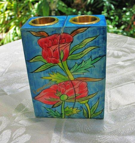 yair-emanuel-rosas-de-madera-candelabros-fitted-gato-cs-10