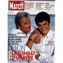 PARIS MATCH [No 3203] du 07/10/2010 - TONY CURTIS ET MARILYIN MONROE / UNE PASSION SECRETE - BERTRAND CANTAT REVIENT SUR SCENE - MODE / FINIE LA CRISE PARIS FAIT LA FETE - LE COMBAT D'UN PERE - ALAIN DELON S'EST BATTU EN JUSTICE POUR LA GARDE DE SON FILS ALAIN-FABIEN - KADHAFI RECOIT MATCH