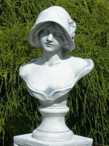 Unbekannt Skulptur Figur Büste Frau mit Hut grau patiniert Höhe 39 cm Gartenskulptur aus Beton
