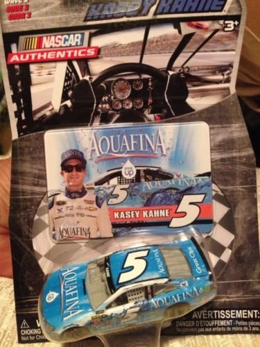 2015-nascar-authentics-kasey-kahne-5-aquafina-1-64-scale-diecast-car-with-collectors-photo-card-by-n