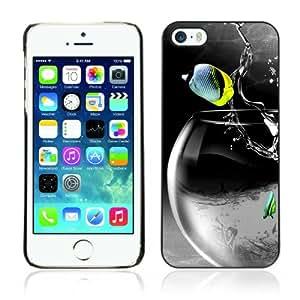 Pour Apple iPhone 5 / 5S ( Cool Rocket Fish ) Coque Housse Etui Case Rigide Hard Noir