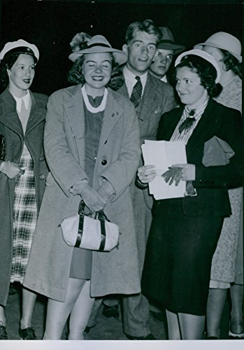 vintage-photo-of-widget-nordstrom-of-swedens-national-union-of-students-receive-any-american-student