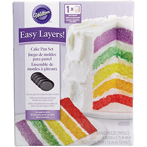 """Wilton 2105-0112 - Set 5 moldes capas para Layer Cakes, 15.2 cm diam x 1,9 cm alto - Set de 5 moldes para hacer los famosos """"layer cakes"""" (tartas de varias capas) - Fácil de usar, simplemente divides la mezcla entre los cinco moldes y los metes al ho..."""