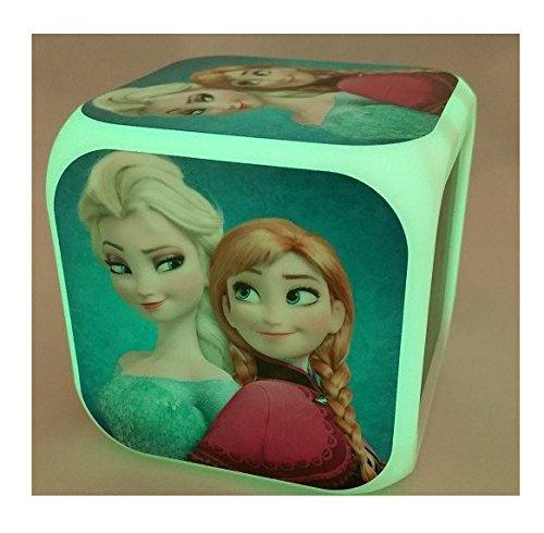 Frozen movimiento digital en forma de cubo de reloj de pared con luz para cambiar el K135