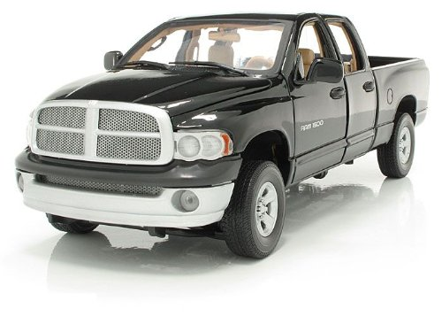 motor-max-118-dodge-ram-1500-quad-cab-2002-schwarz