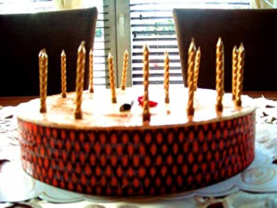 16 Birthday candles gold from Folat B.V.