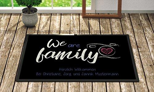 *Creativgravur Fußmatte We are Family Inkl. Ihrem Namen – Personalisierte Schmutzfangmatte, Größe der Fußmatte:50 x 70 cm*