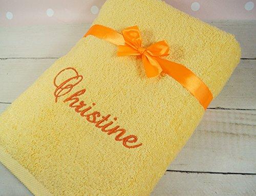 ★ Handtuch mit Namen bestickt ★ 70x140 cm ★ Duschtuch ★ Muttertag ★ 550 g/m2 ★ (Gelb)