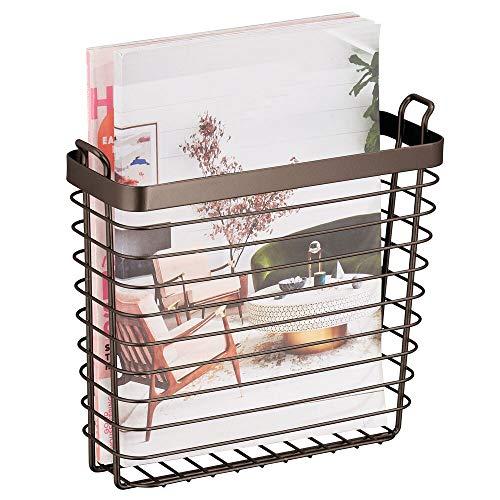 mDesign Zeitschriftensammler zum Aufhängen - moderner Zeitungshalter aus Metall - schicker Zeitungsständer für Magazine, Bücher, Bürounterlagen und Co. - bronzefarben