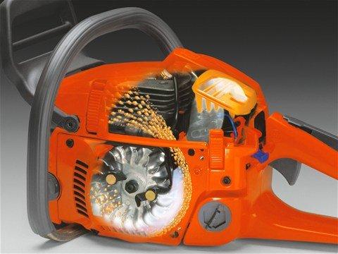 husqvarna-motosierra-a-gasolina-135-2