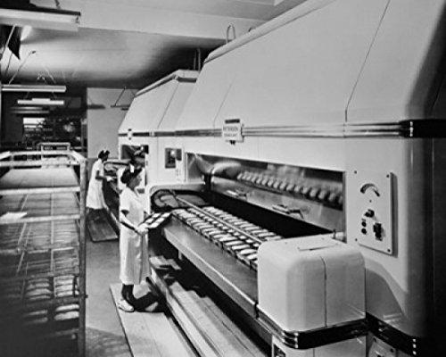 female-workers-making-bread-in-a-bakery-pepperidge-farm-bakery-norwalk-connecticut-usa-poster-print-