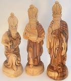 Statuette per il presepio in stile classico realizzate a Betlemme (altezza ca. 23 cm). TRE RE MAGI, 3 - PEZZI Gaspare, Melchiorre eBaldassarre. Intagliate a mano in legno d'ulivo di Beltemme.