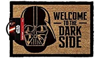 -Benvenuti Darth Vader la stuoia di portello del lato oscuro-Misura 60 x 40 cm-Fatto di 58% PVC e 42% cocco (materiale della spazzola)-Grande casa riscaldamento regalo-100% merchandise ufficiale. Mostrare i tuoi visitatori un vero senso di di...