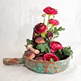 Herbstliches Tischgesteck in der Tonschale-Tischdeko mit künstlichen Blumen
