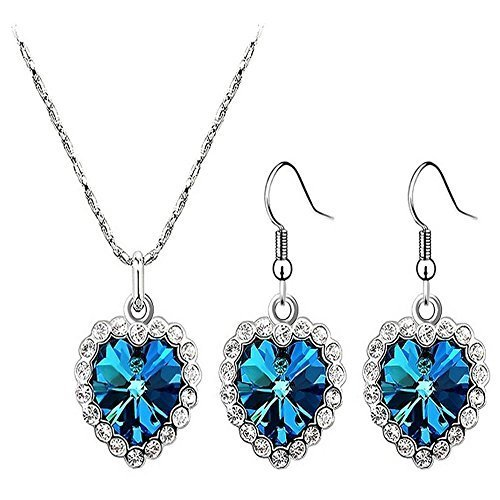 tres-belle-parure-femme-swarovski-elements-parrure-coeur-titanic-ce-bijoux-est-compose-de-boucles-do