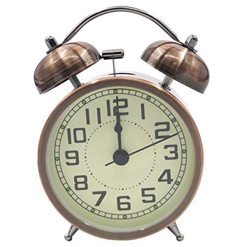 Descripción del Producto: - Reloj despertador de campana doble con función de luz nocturna;  - Movimiento de cuarzo de barrido silencioso, sin tic-tac;  - Alarma de campana, muy ruidosa, perfecta para personas con mucho sueño; - Diseño anticuado con ...