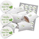 48 kleine Geschenkboxen Holz-Optik weiß (14,5 x 10,5 cm ca. 3 cm) und 48 runde Aufkleber (13467) 4 cm in grün weiß mit Herz auf Holz SCHÖN, DASS DU DA BIST - Verpackung für Gastgeschenke