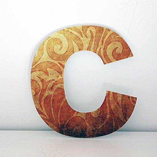 Letras decorativas C con frontal de estilo vintage. Altura 30 cms