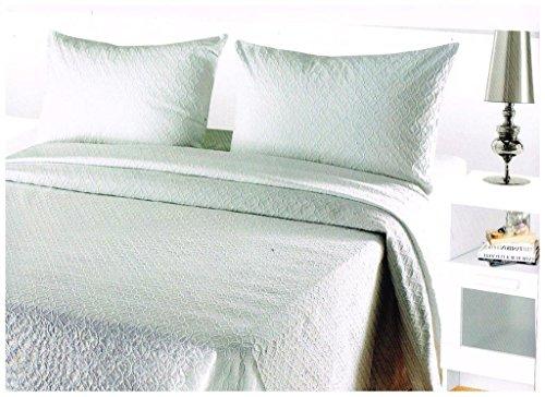 COLCHA FINA BLANCA fácil lavado. mod. Vitoria. Varias medidas. 230x270(cama de 135 cm.)