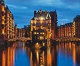 Artland Qualität I Glas Küchenrückwand ESG Spritzschutz Küche 90 x 75 cm Städte Deutschland Hamburg Foto Blau F1SS Teil der alten Speicherstadt in Hamburg nachts erleuchtet