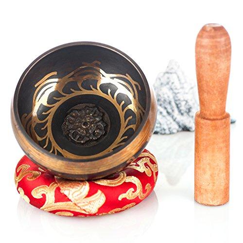 """Kangrinboqe Metall Tibetisch-buddhistische Klangschale 3,8 """"mit Holzstäbchen und Lederstäbchen und Kissen für Meditation - Heilung, Yoga, Reiki, Entspannung, Meditation, Zen, Chakren und Musik - ein wirklich gutes Geschenk - handgefertigt in Nepal"""