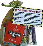 Kit di sopravvivenza per ° compleanno a Dinky Gift/present–a Fun Cheeky Gift to make them Smile. Chiave Message–'have a Cuppa e ricorda il migliore dei 60anni. '