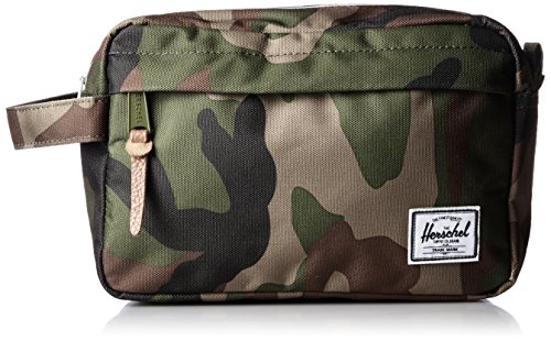 herschel-supply-company-chapter-toiletry-bag-23-inch-woodland-camo