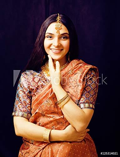 druck-shop24 Wunschmotiv: Beauty Sweet real Indian Girl in Sari Smiling on Black backgroun #125314021 - Bild auf Alu-Dibond - 3:2-60 x 40 cm / 40 x 60 cm Black Indian Girl